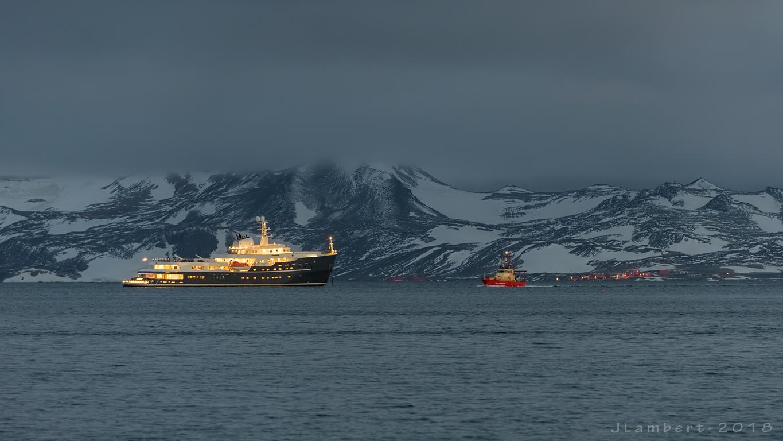 30 enero. Turismo y vuelos antárticos
